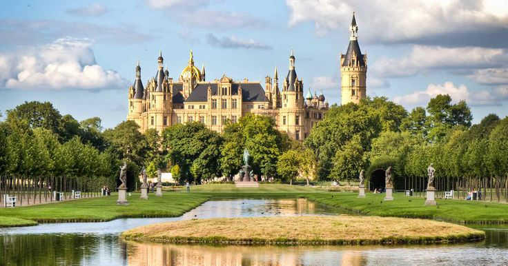Details for Schwerin and its Fairy-tale Castle