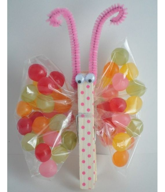 DIY jellybean butterfly for an Easter basket! Paint a clothes pin, add