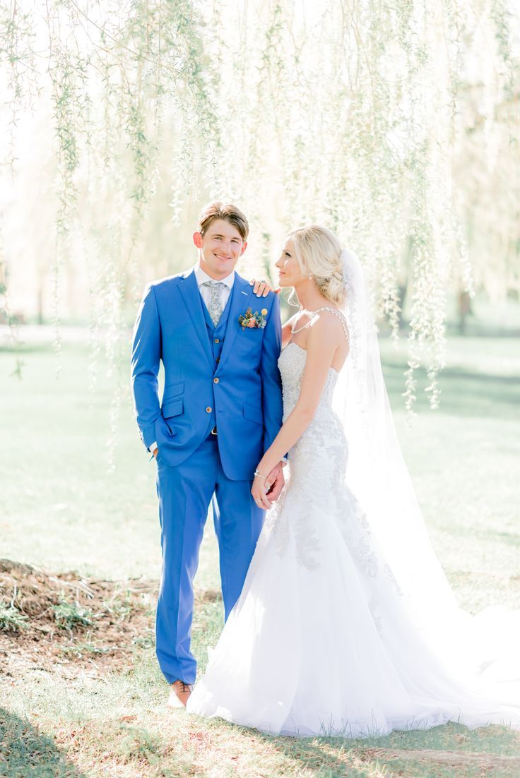 Gigiboucher Com Wedding Couple Poses Bride And Groom Pictures Wedding Picture Poses