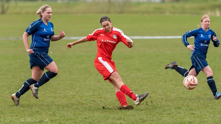 Penrith Ladies Title Dreams Still Intact http://www.cumbriacrack.com/wp-content/uploads/2017/03/STF-Nat.jpg A large crowd, well in excess of 100 people, witnessed an epic match between Penrith AFC Ladies and Sir Tom Finney Ladies    http://www.cumbriacrack.com/2017/03/13/penrith-ladies-title-dreams-still-intact/