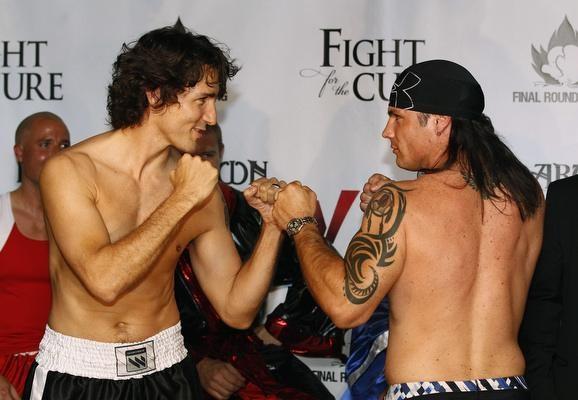 Trois jours avant le combat de boxe du siècle:  L'Indien contre le Dandy...  Le Sénateur Patrick Brazeau contre le député Justin Trudeau!