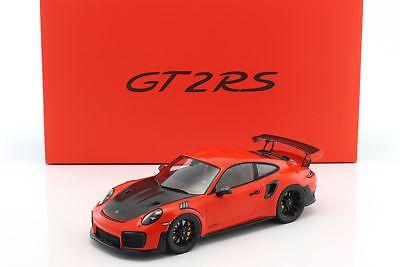 Porsche 911 (991) GT2 RS Year 2017 WITH DISPLAY CABINET LAVA ORANGE 1:18 Spark