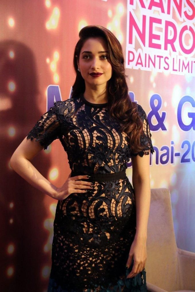 actress-tamannaah-launch-kansai-nerolac-upbeat-about-tamil-nadu-photos (4)