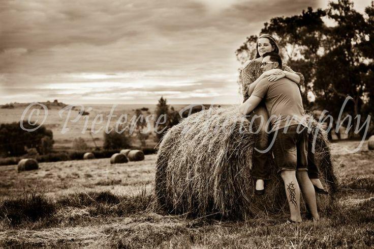 Engagement Photos taken by Pieterse Photography. Engagement photography. Engagement ideas.