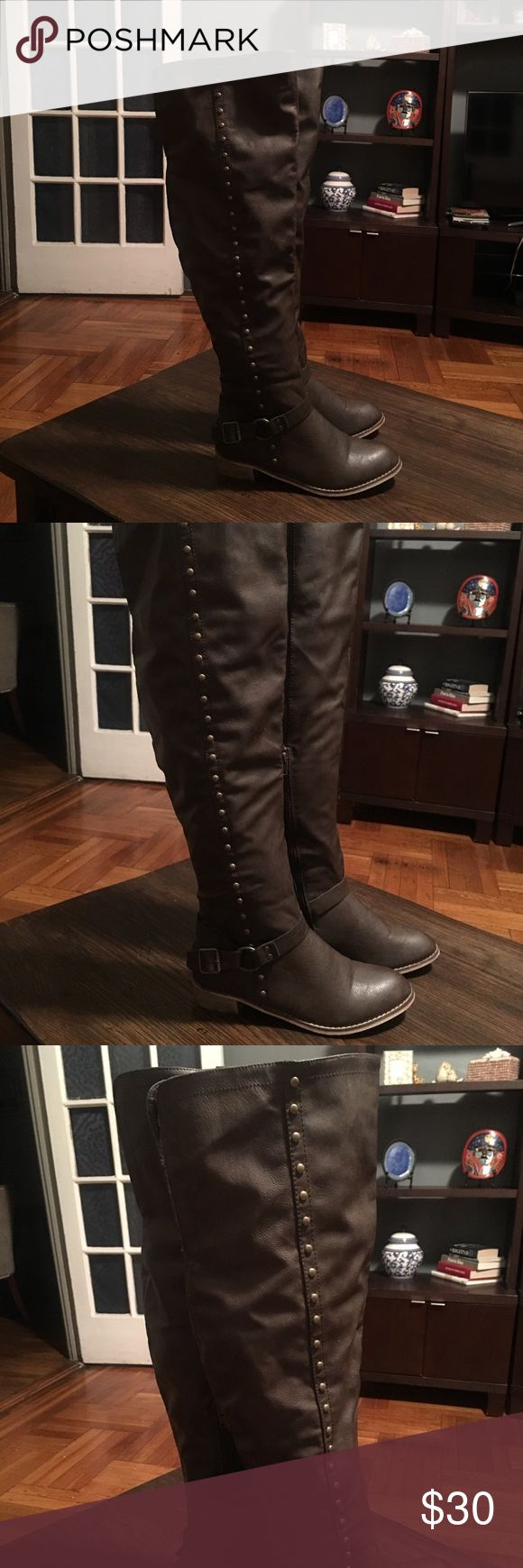 Women's over the knee boots These boots are in like new condition. Used only once above the knee. They are beautiful and look great with leggings, tights or Jeans. Size 9 Shoes Over the Knee Boots