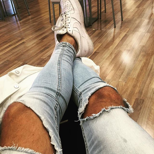 Airport life #travel #holiday #nike #jeans #sun #instagram #instalike #tan #IG #world #love #mood #fashion