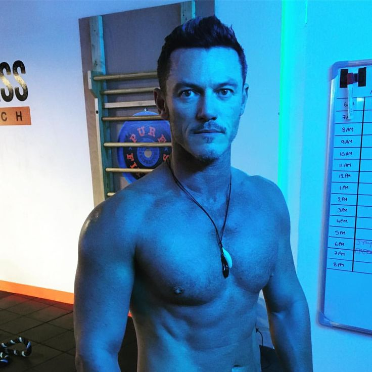 """98.1k Likes, 1,323 Comments - @thereallukeevans on Instagram: """"Loving this blue light in my gym... #trainingday #pushinglimits #gainz"""""""