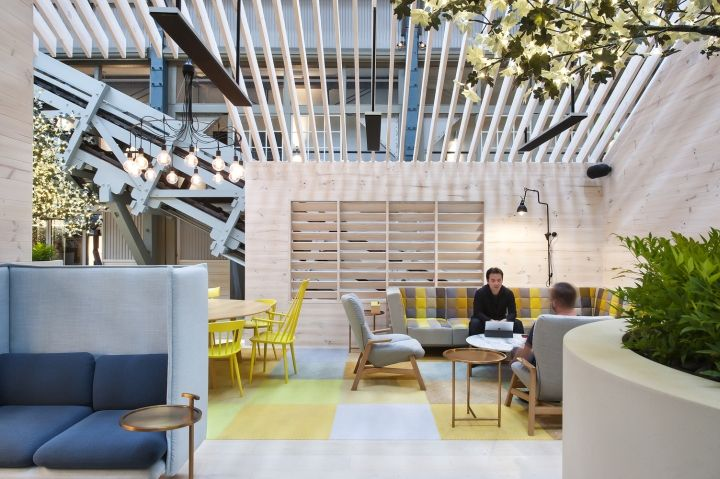 Pockets of sunlight and tree-filled spaces within the pavilions encourage a variety of uses, which entices people to visit and linger.