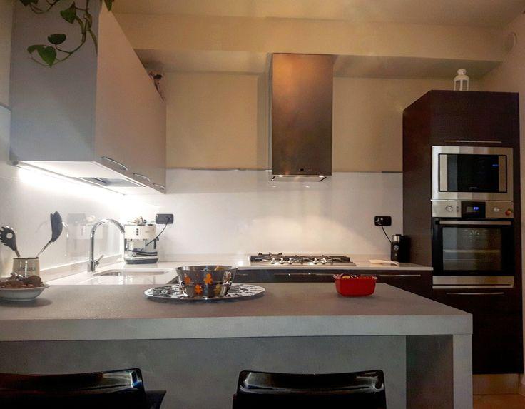 Oltre 20 migliori idee su cucina in marmo bianco su pinterest - Pannello cucina rivestimento ...