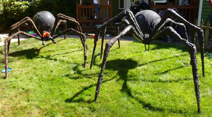 Scared to death of spiders....I'm making these this year for my yard :)