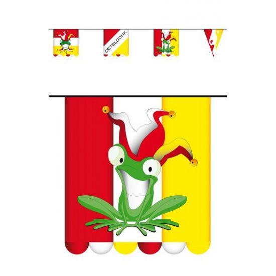 Vlaggenlijn Oeteldonk 3 meter. Kartonnen vlaggenlijn met Oeteldonk opdruk en dubbelzijdig bedrukt. Formaat: ongeveer 3 meter. Formaat vlaggetjes: ongeveer 16 x 13 cm per stuk.