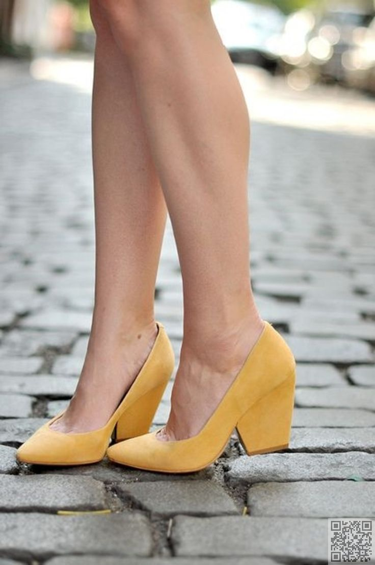 Cute sexy and comfy all at the same time.8. #Block Style Heel - 35 #Pairs of Yellow #Shoes That Will Make You #Smile ... → Shoes #Wedding