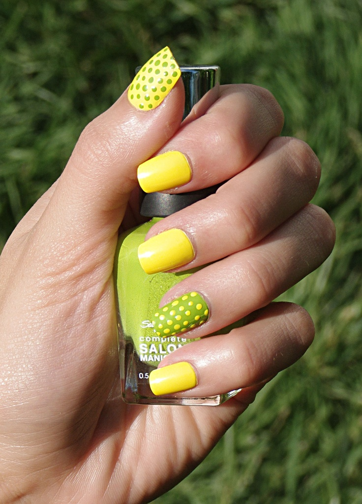 25+ Best Ideas About Bright Nail Polish On Pinterest