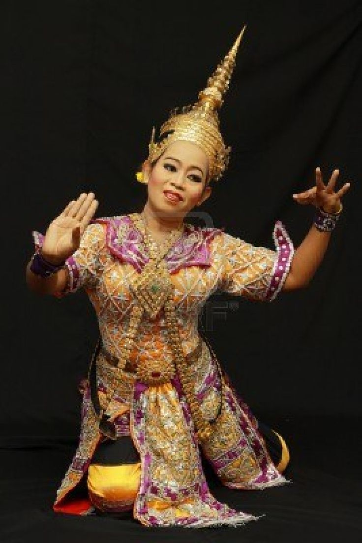 Thai traditional outfit | Triditional Thai Beautiful ...