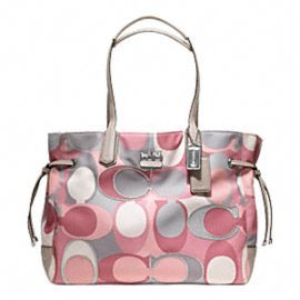 Pink Coach  want! Not big on designer purses cause intials that aren't mine annoy me- but like this