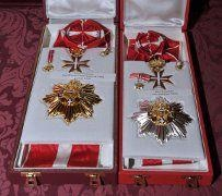 The President of Malta conferred the honorary membership of the National Order of Merit in the Grade of Companion of Honour with Collar on the Federal President of the Republic of Austria. The Federal President of the Republic of Austria conferred the award of the Grand Star of Honour in Gold with Sash for services to the Republic of Austria on the President of Malta.   http://doi.gov.mt/EN/press_releases/2012/04/Fischer.asp