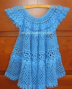 Celeida Artes em Fios: Vestido em crochê para bebe!