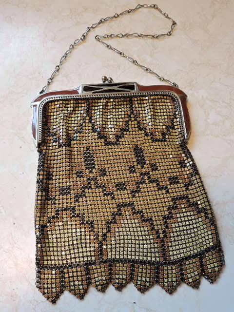 Art Deco Metal Whiting & Davis Mesh Hand Bag Purse Chain Mal