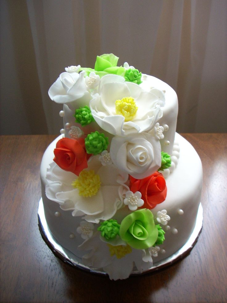 Elegant cake for an anniversary
