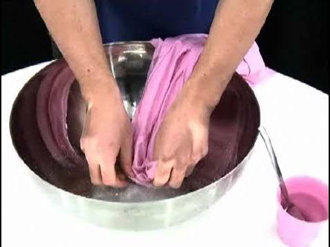 Cómo eliminar los cercos de sudor de la ropa
