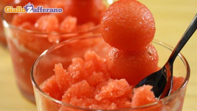 Ricetta Sorbetto all'anguria - Le Ricette di GialloZafferano.it