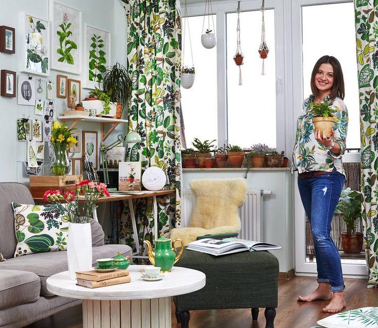 jeszcze jedno foto z super sesji, które chce Wam pokazać😄🌿☘ jeszcze w dwupaku 😃💚  #home #decoration #instagram #instahome #plants #greenery #interior #decor #me #woman #happy #pregnant #smile #ikea #workspace #desk #illustration  ----------------------------------------------------------  Zdjęcie pochodzi z publikacji w numerze specjalnym,  Najpiękniejsze Dekoracje Domu  5/17 ZPRMEDIA. Zdjęcia : M. Skorupski, stylizacja: A. Wrodarczyk