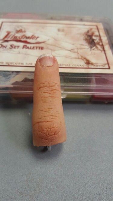 Severed finger keyring pre blood