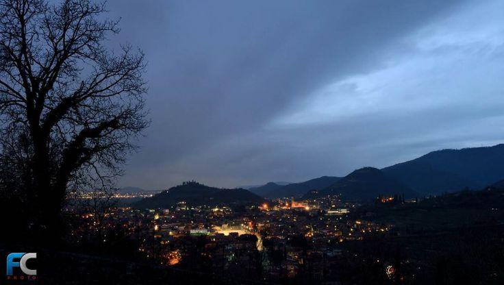 Panorama di Casaglio al tramonto, marzo 2017 - http://www.gussagonews.it/panorama-casaglio-tramonto-marzo-2017/