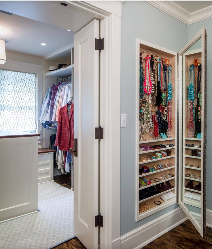 Foyer Closet Jewelry : Master wall in entryway or next to desk