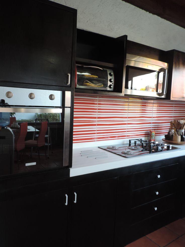 Se forro la barra con madera color chocolate la plancha for Ceramica para cocina
