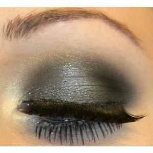 Eye shadow ideas.: Fun Eyeshadows, Ideas My Styl, Style, Eye Shadows, Makeup, Fake Eyelashes, Pretty Eyeshadows, Dark Colors, Eyeshadows Ideas