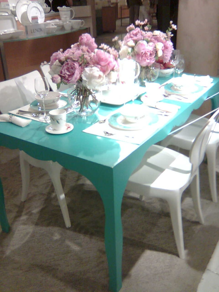 turquoise table centerpiece blue flowers white chairs decor shabby chic