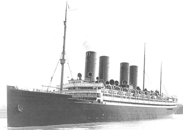 Die Kaiser Wilhelm II. im Hafen