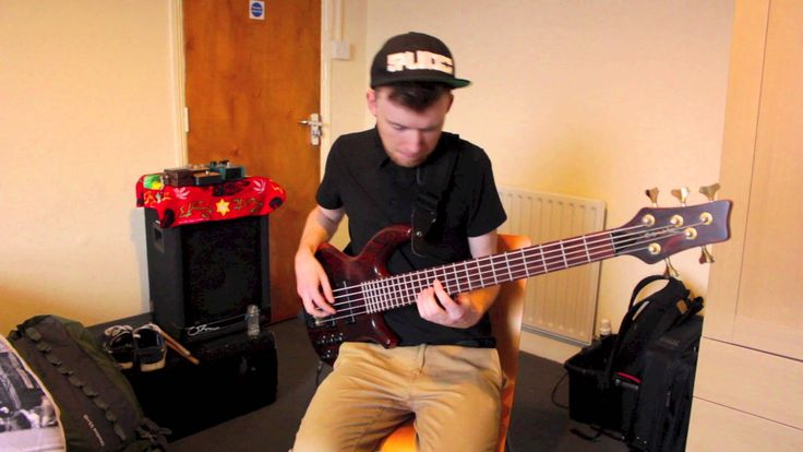 Me'Shell Ndegéocello - The Womb - Cover on electric bass by Ben Tunnicliffe,originally from the Peace Beyond Passion album.
