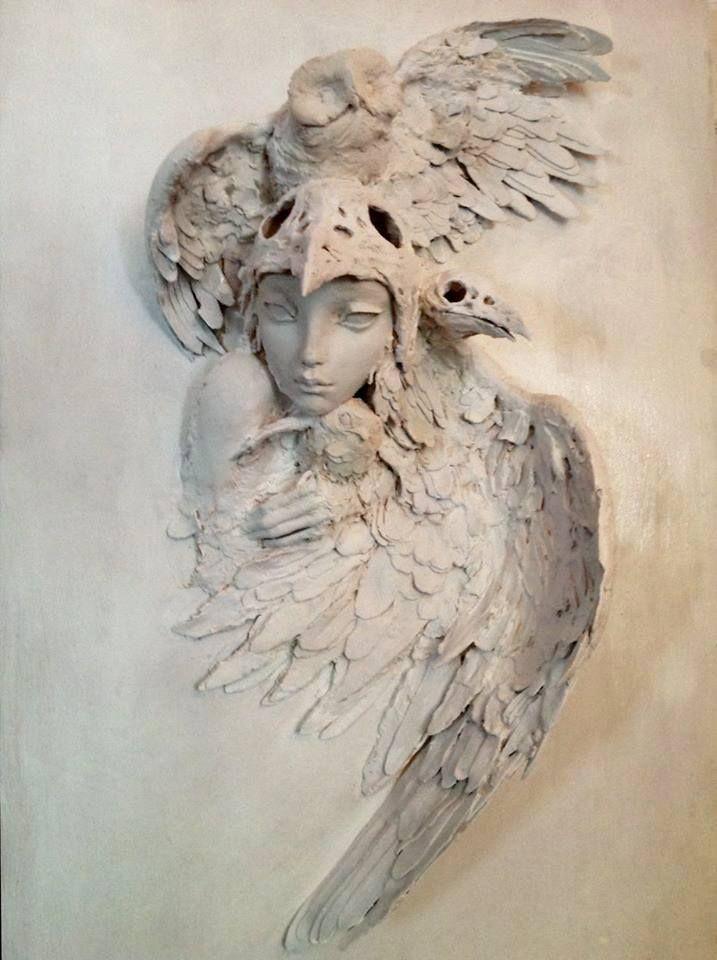 white - bird woman - owl - Valérie Hadida - sculpture