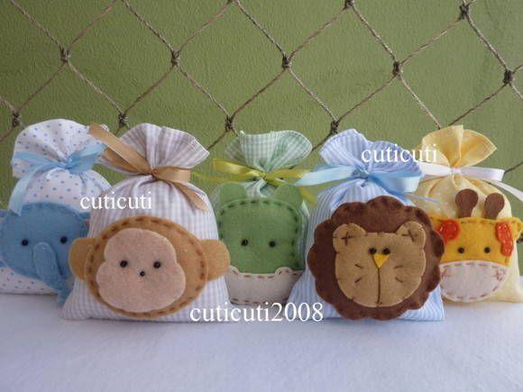 Cuti Cuti Lembrancinha - Saches perfumados com aplique em feltro. Quantidade mínima - 20 unidades. Tamanho - 10x9cm R$ 5,50