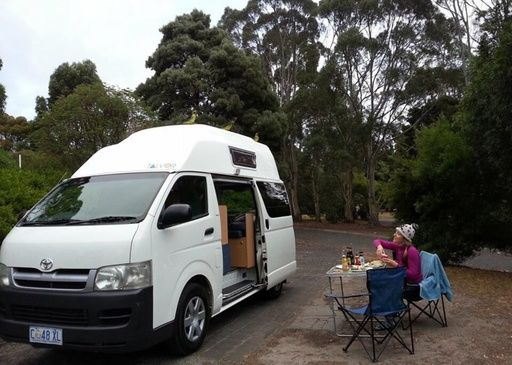 go cheap hi top campervan - Book online. Budget campervan hire. uk, england, scotland, france, germany, italy, spain, portugal, finland, norway, iceland,australia, new zealand, south africa, usa, canada