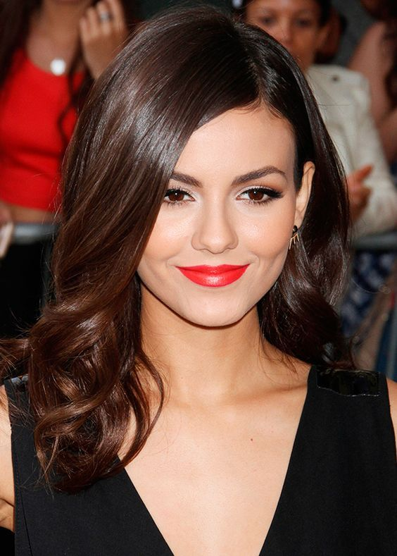 The 1114 best Celebrities Hairstyles images on Pinterest | Victoria ...