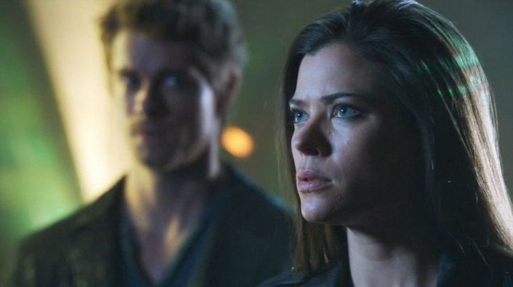 Luke Mitchell as John Young and Peyton List as Cara Coburn in the pilot episode of The Tomorrow People