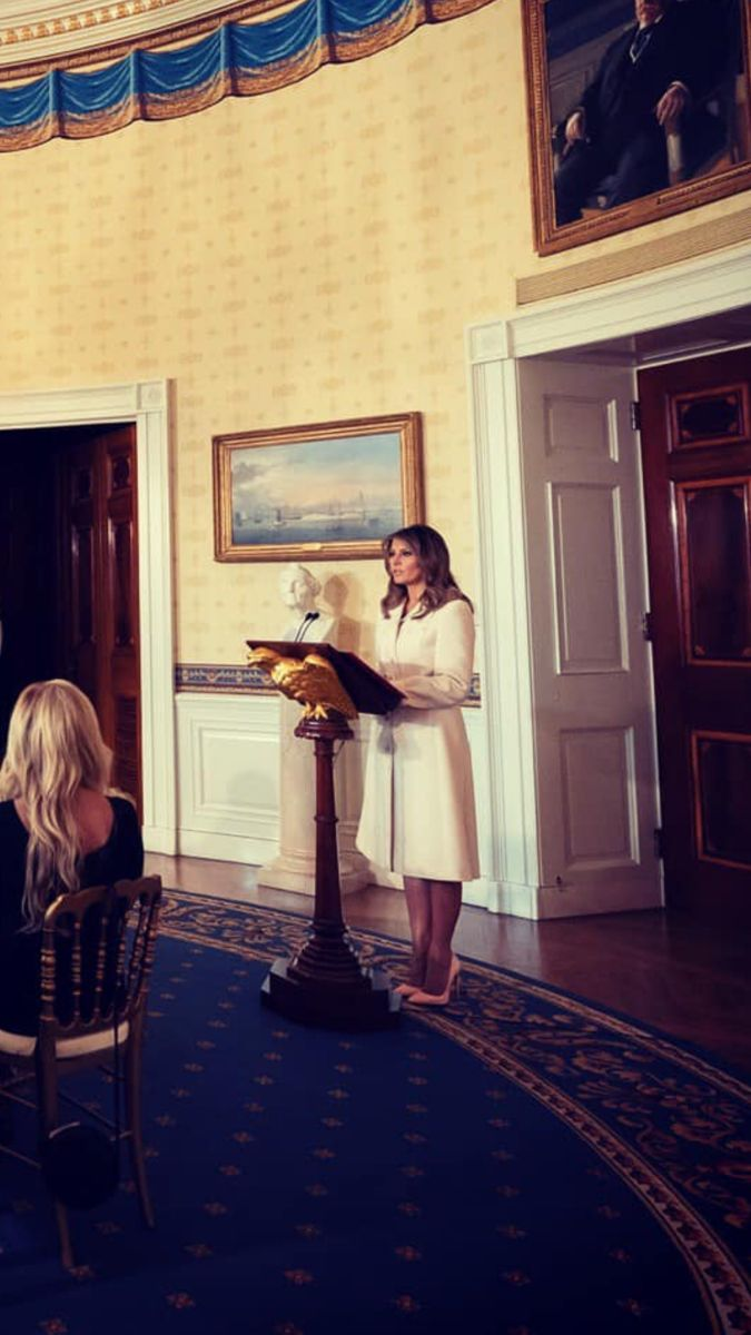 Pin By Arina On Melania Trump In 2020 First Lady Beautiful One Melania Trump