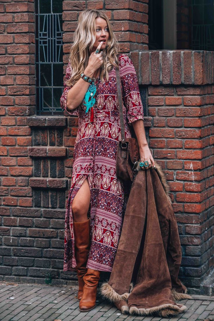 Bohemian maxi dress with print for the ultimate hippie chic look
