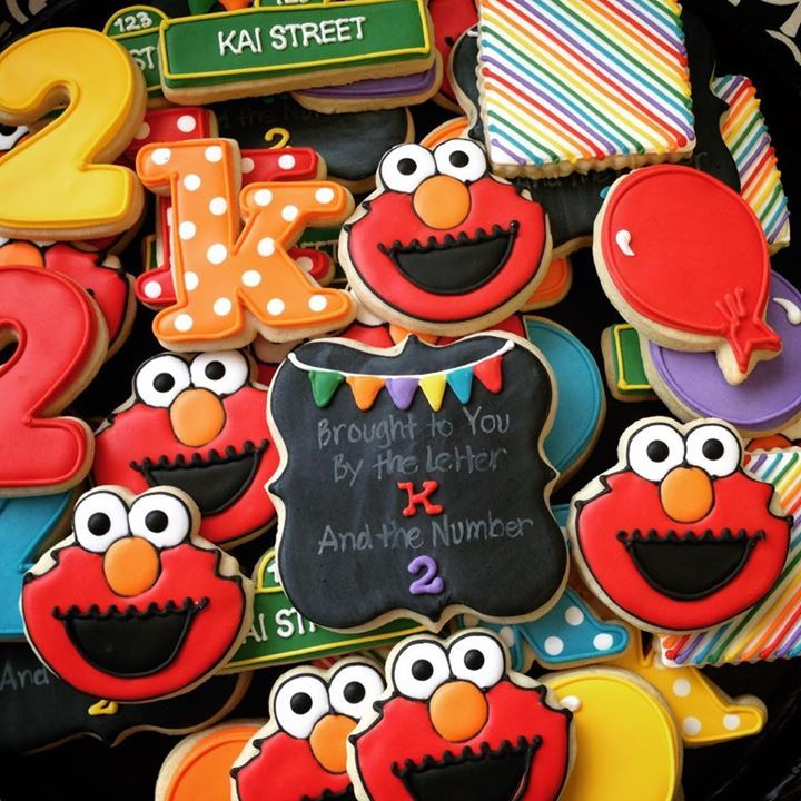 Cute Elmo cookies for the special birthday! Repinned by www.cookiecutter.com