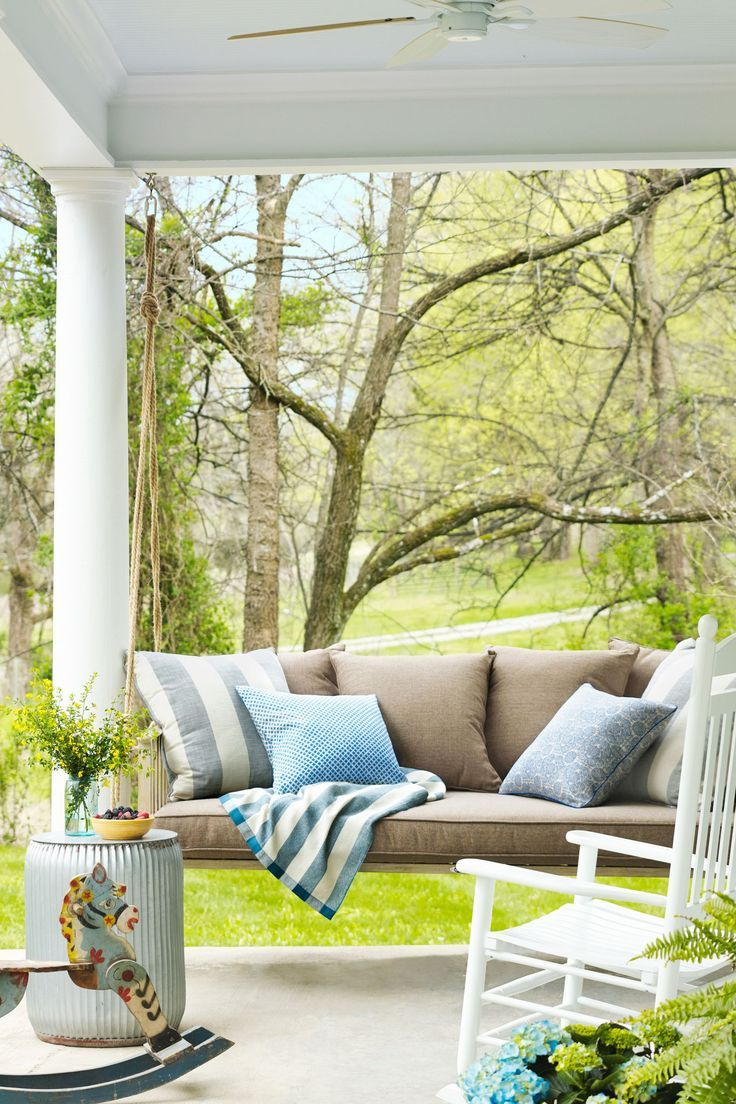 81 Best Front Porch Ideas To Freshen Up The Entrance Of Your Home Patio Decor Patio Design House With Porch