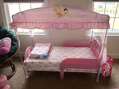 Disney Princess Toddler Bed With Canopy   New Never Slept In!!! Disney  Princess KleinkindBett Mit BaldachinPrinzessin ...