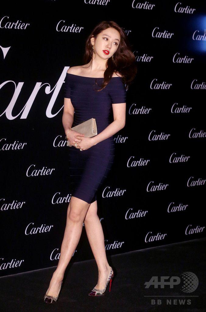 韓国・ソウル(Seoul)で行われた、高級ブランド「カルティエ(Cartier)」の100周年記念ジュエリーの発表イベントに臨む、女優のユン・ウネ(Yoon Eun-Hye、2014年10月16日撮影)。(c)STARNEWS ▼25Oct2014AFP|カルティエの記念ジュエリー発表イベント、ハ・ジウォンらが出席 http://www.afpbb.com/articles/-/3029452 #Yoon_Eun_Hye #윤은혜 #尹恩惠 ◆Yoon Eun-hye - Wikipedia http://en.wikipedia.org/wiki/Yoon_Eun-hye