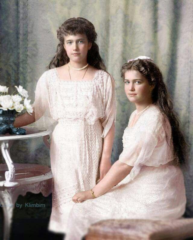 Grand Duchess Anastasia and Maria Nikolaevna Romanova of Russia (colourised).A♥W