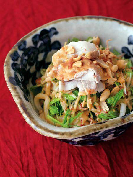 夏疲れした体を癒してくれるのは、ごまの風味と、ナッツの歯応え。|『ELLE a table』はおしゃれで簡単なレシピが満載!
