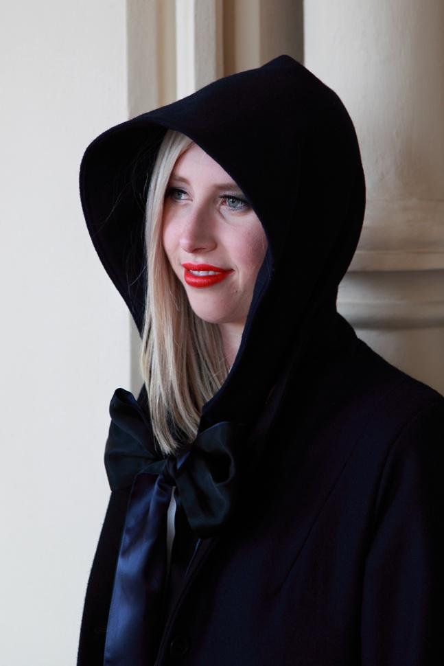Bonnet  Berliner coat