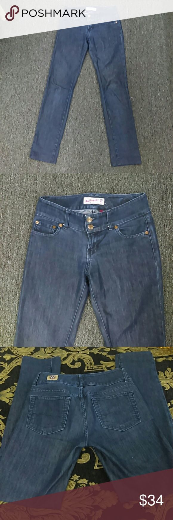 Red Engine Skinny Jeans Sz. 25 Gently loved in good condition. Denim still has excellent coloring. No fading at all. Does have small nick in jeans (see pictures) Red Engine Jeans Skinny