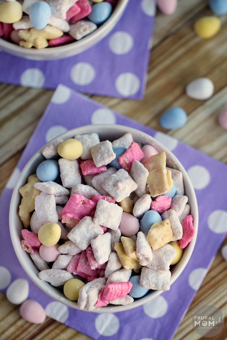 These Easter Muddy Buddies are perfect for a snack or dessert - this will quickly become one of your favourite puppy chow recipes!